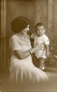 3. Grandma and Da_1931